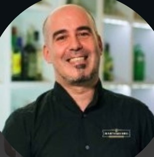 VICENTE PAULOS Bartrainers Barquitecto
